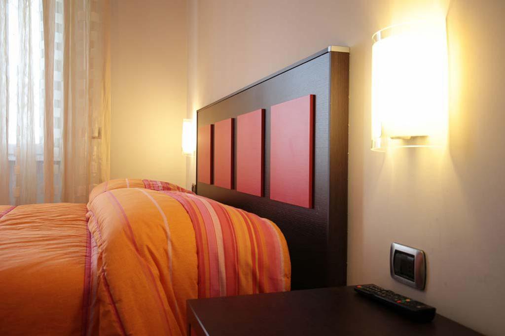 affittacamere-terracina-il-caminetto-camera-lilla