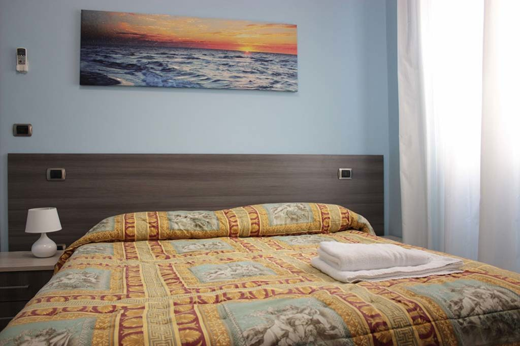 affittacamere-terracina-letto-margherita