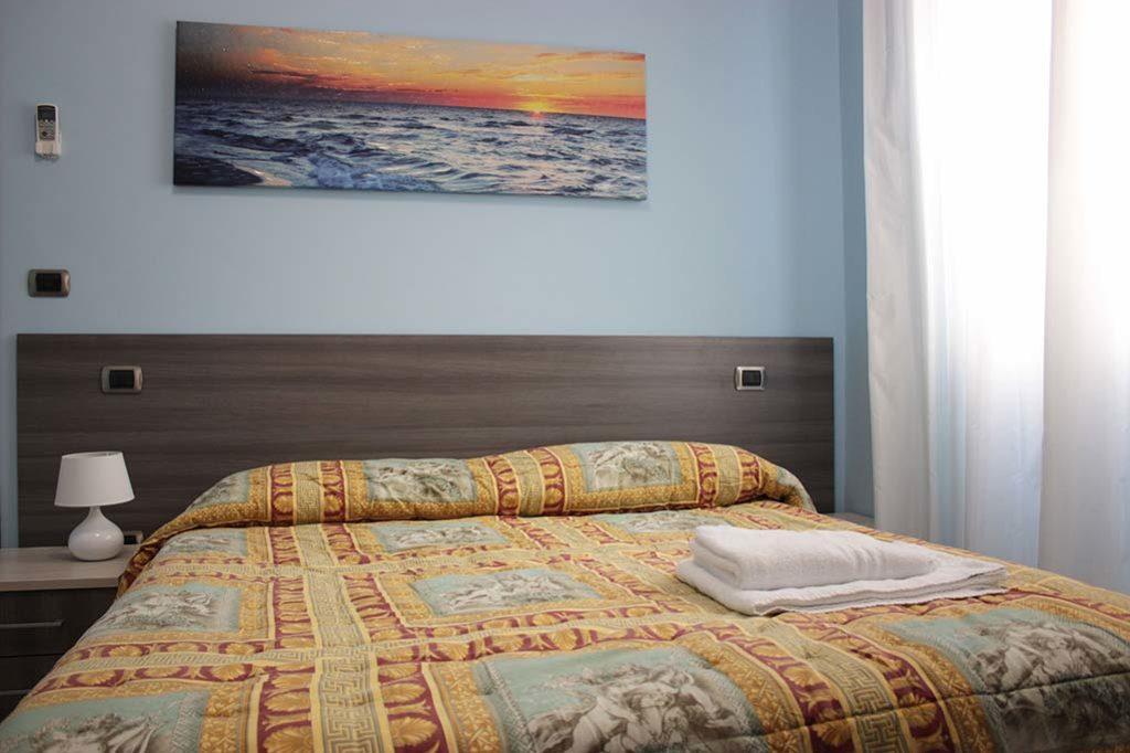 affittacamere-terracina-letto-margherita