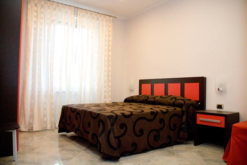 affittacamere-terracina-letto-perla