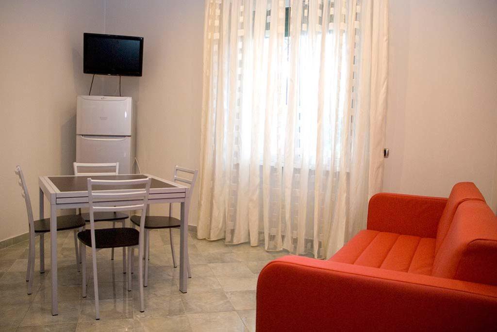 affittacamere-terracina-soggiorno-perla