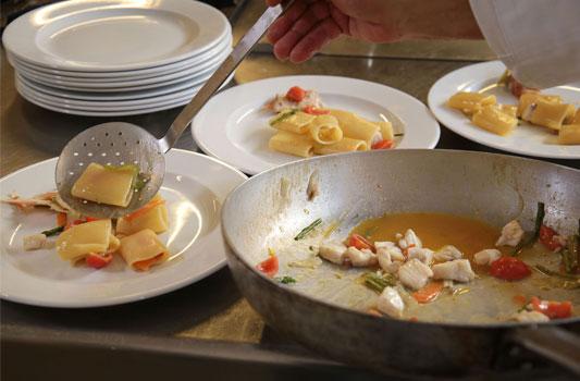 impiattamento-pasta-ristorante-il-caminetto