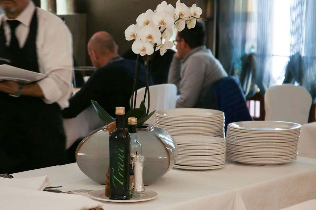 olio-trani-al-ristorante-il-caminetto-terracina