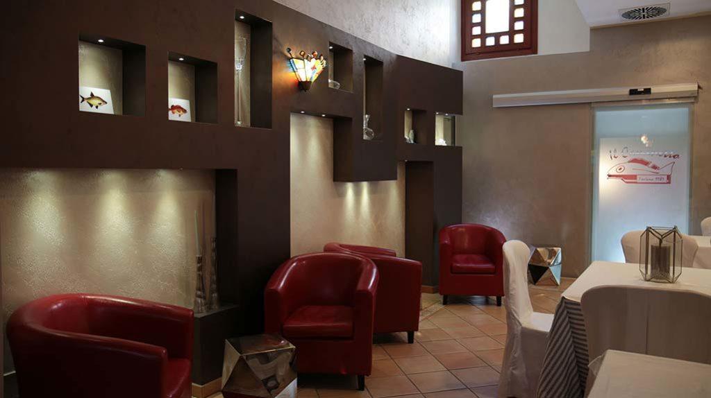 saletta-ristorante-il-caminetto-terracina
