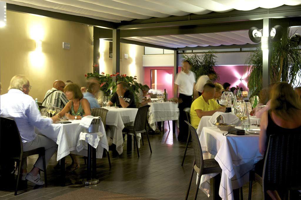 veranda-ristorante-terracina-ilcaminetto